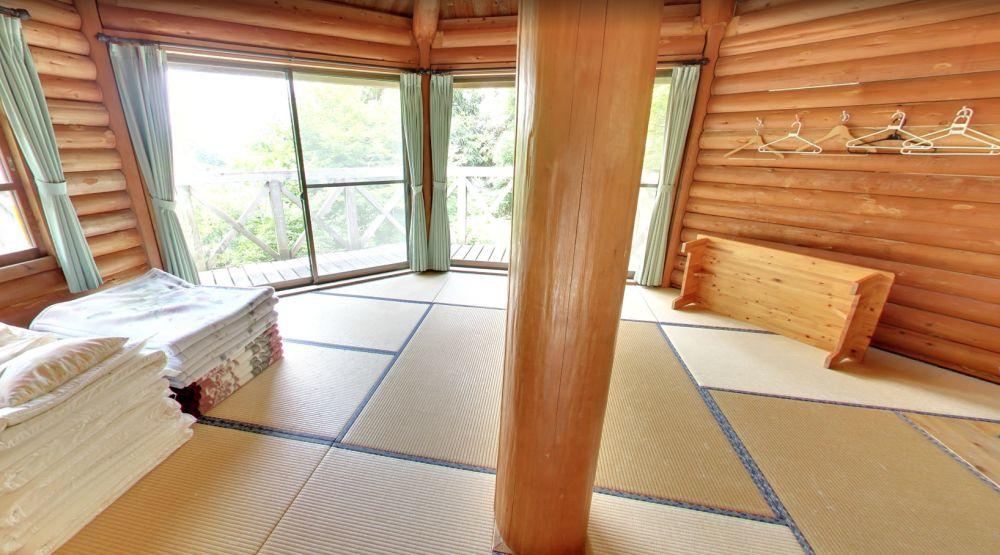 塩塚高原キャンプ場 バンガロー内部