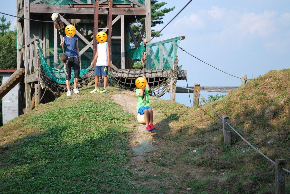 塩塚高原キャンプ場 ターザンロープで遊ぶ